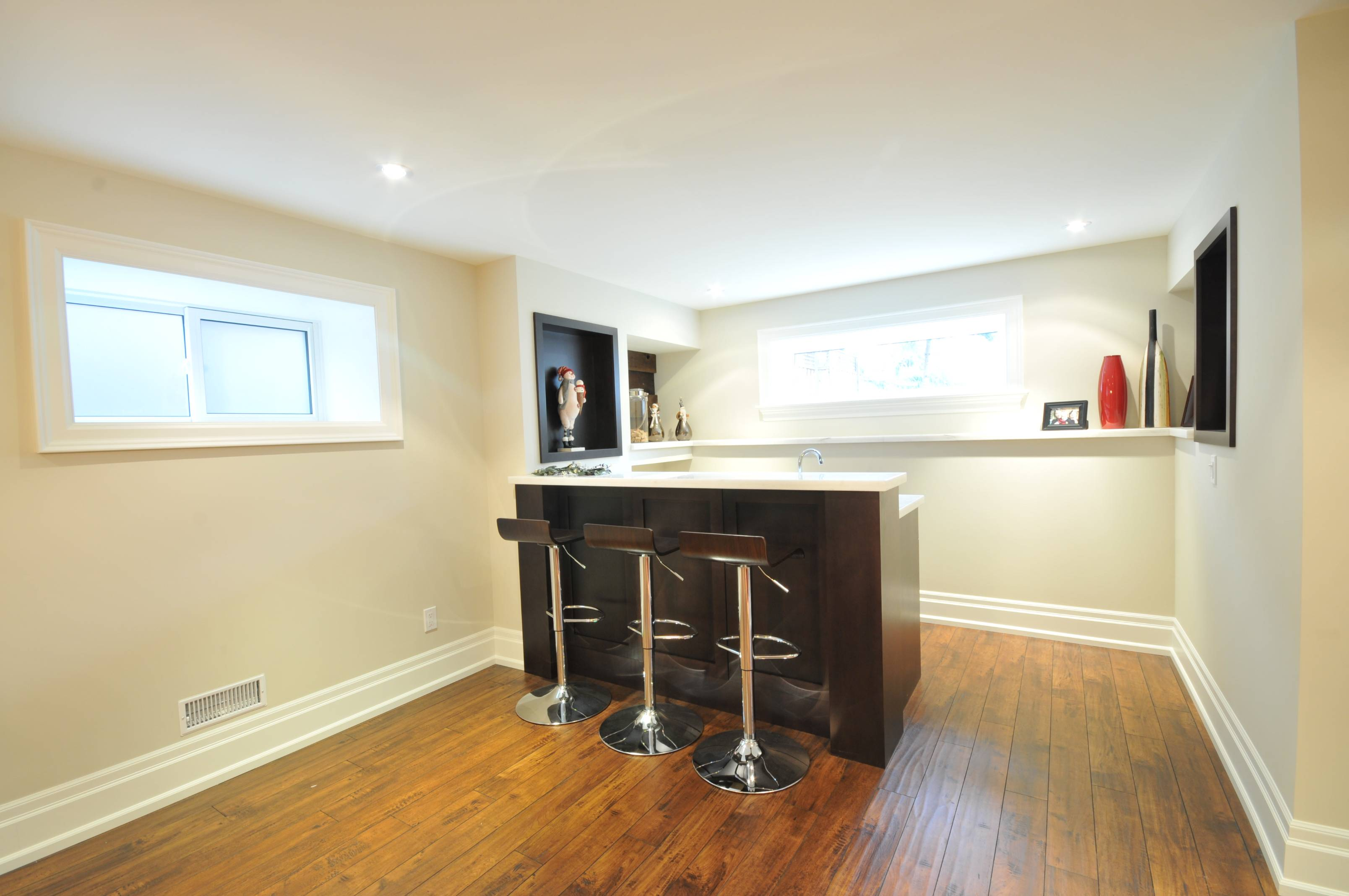 Kitchen Countertops by Wonder Stone and Counters Ltd